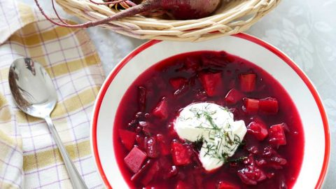 Luxusní polévka zčervené řepy