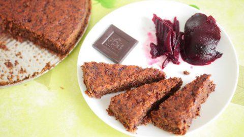 Recept: Čokoládová buchta zčervené řepy