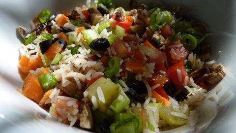 Letní rýžový salát