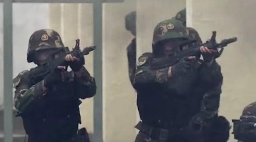 Snímek z propagandistického videa čínské armády. (screenshot z Youtube)