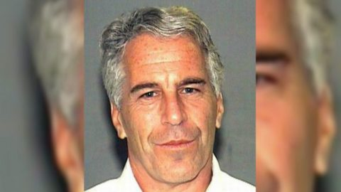 Oficiální příčina Epsteinova úmrtí: Smrt oběšením