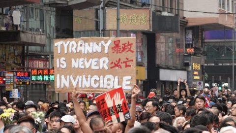 Hongkong je nyní globálním symbolem odporu proti čínskému režimu