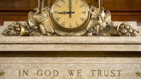 """USA: Motto """"Věříme vBoha"""" bude ve všech veřejných školách vLouisianě"""