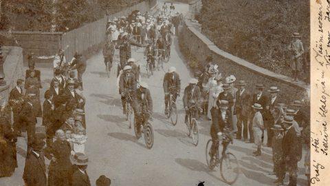 Přítel velocipéd: Proč lidé pobili koně avynalezli kolo?