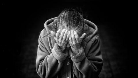 Je chronická bolest způsobena emocemi? Někteří odborníci jsou otom přesvědčeni