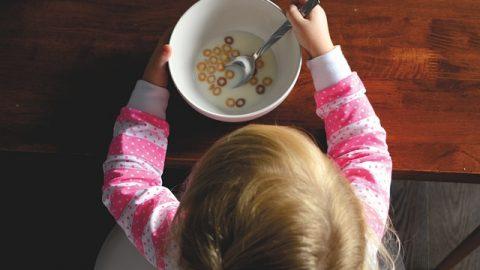 Máte vybíravé dítě? 5 způsobů, jak ho nenuceně přimět jíst zdravě, anezbláznit se utoho