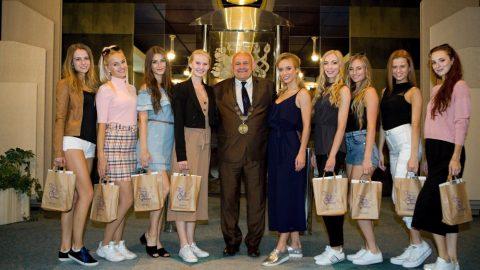 Tradiční soutěž královny krásy – finalistky Miss České republiky navštívily lázeňské město Poděbrady