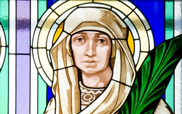 Svatá Ludmila na kostelní vitráži