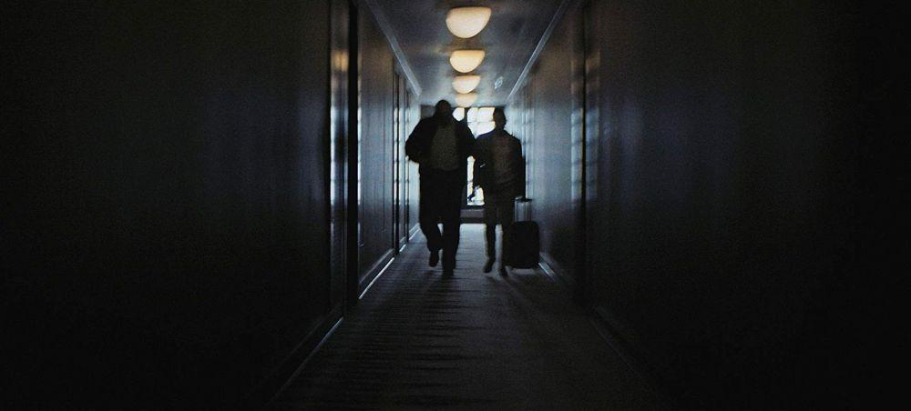 """Film """"Na černé listině"""" sleduje případy svévolného zatčení aktivistů z EU v Srbsku – na příkaz čínského režimu. (Screenshot z filmu)"""
