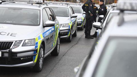 Policie převzala první nové vozy Octavia Combi