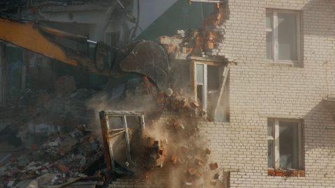 Ministerstvo nabízí dotace na demolice budov vsociálně vyloučených lokalitách