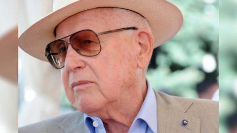 Branko Lustig, chorvatský pozůstalý holokaustu aproducent Schindlerova seznamu, zemřel ve věku 87 let
