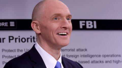 """""""Falšují dokumenty již léta,"""" tvrdí oFBI sledovaný Carter Page"""
