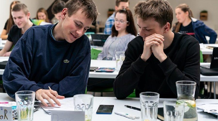 Finanční gramotnost je v Česku nízká. Lidé neplánují a kupují zbytečnosti. (projekt Samsung Tvoje šance)