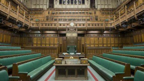 Britský parlament projednává návrh zákona oboji proti obchodování sorgány, problémová je především Čína