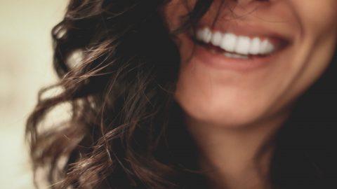 Chcete se cítit šťastnější? Usmějte se, radí vědci