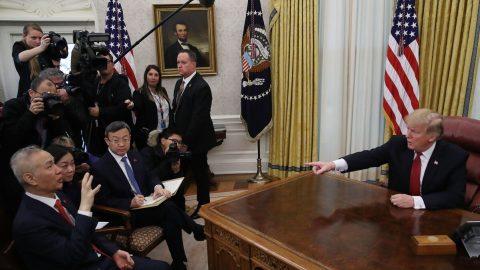 Ohlédnutí za rokem 2019: USA stupňuje ofenzivu vůči čínskému režimu