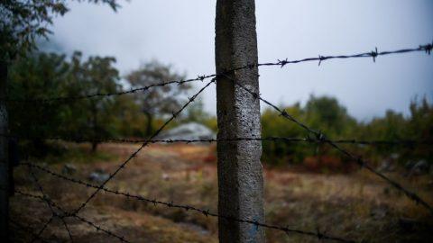ČR: Tři starci, bývalí funkcionáři strany, mohli zabránit střelbě na hranicích
