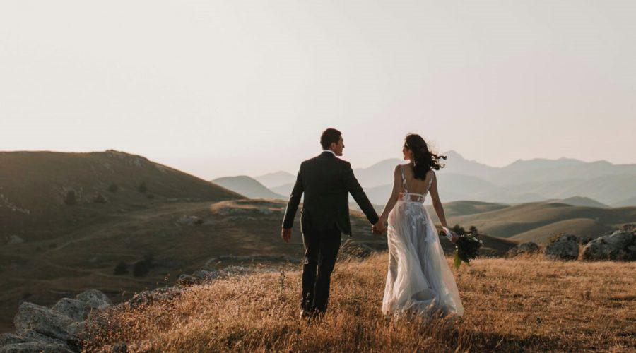 Hlubokého spojení, které můžeme v manželství nalézt, lze dosáhnout postupně v průběhu času skrze odhodlání, věrnost a soucit. (Unsplash / Volné dílo)