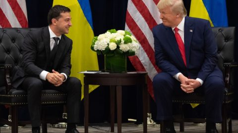 """Ukrajinský prezident ktelefonátu – """"nerozumím"""" obviněním demokratů vůči Trumpovi"""
