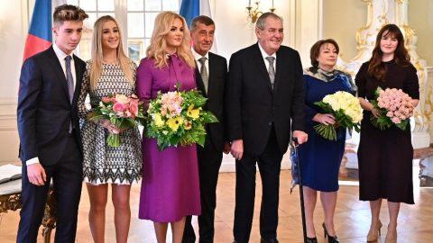 Předseda vlády aprezident poobědvali srodinami vLánech