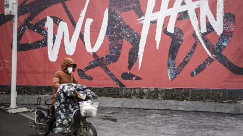 Čínská vláda chce umlčet zprávy okoronaviru na sociálních sítích. Tvrdě potrestá všechny neoficiální informace