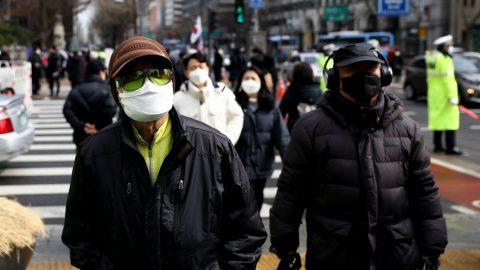 USA: Středisko pro kontrolu chorob potvrzuje 53 případů nakažení koronavirem