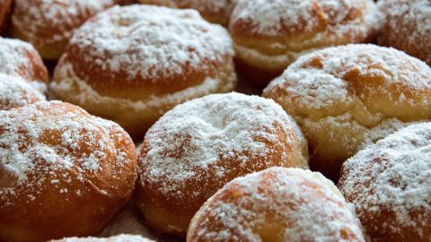 O fašiangoch + recept na domáce špaldové šišky