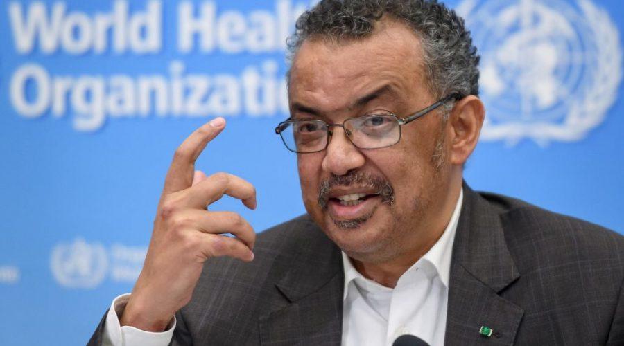 Generální ředitel Světové zdravotnické organizace Tedros Adhanom Ghebreyesus varuje před šířením viru. (FABRICE COFFRINI / AFP via Getty Images)