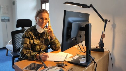 ČR: Armáda spustila linku psychologické pomoci, armádu zase podporují občané