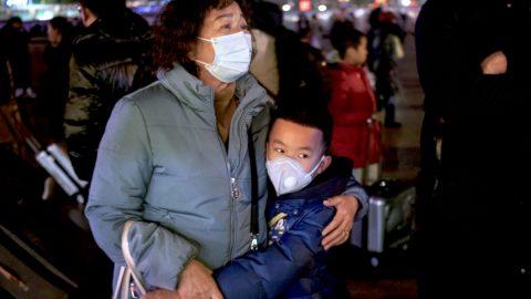 Editorial: Dejme správné jméno viru, který zapříčinil celosvětovou pandemii