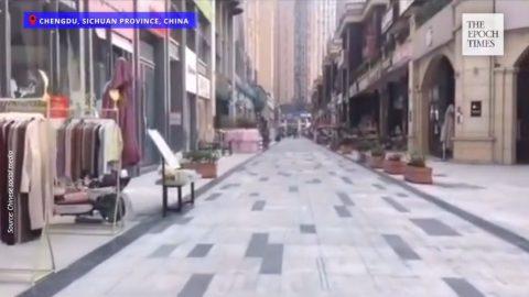 Čína: Kdysi rušné nákupní centrum vČcheng-tu nyní zeje prázdnotou