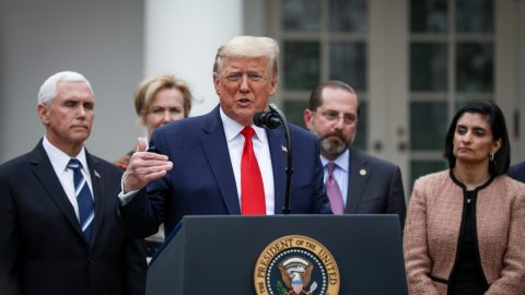 USA: Trump kvůli koronaviru vyhlásil vzemi stav nouze