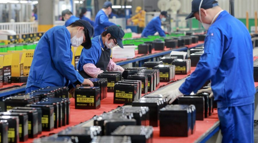 čína továrna
