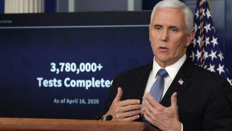 """Dle Pence mohou USA zahájit fázi jedna ke """"znovuotevření"""""""