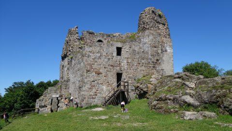 Přimda – donjon, nejstarší románská stavba vČechách