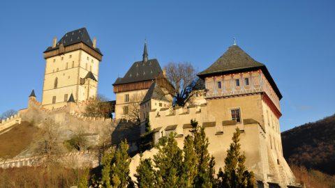České hrady, věže, ohniště ahladomorny