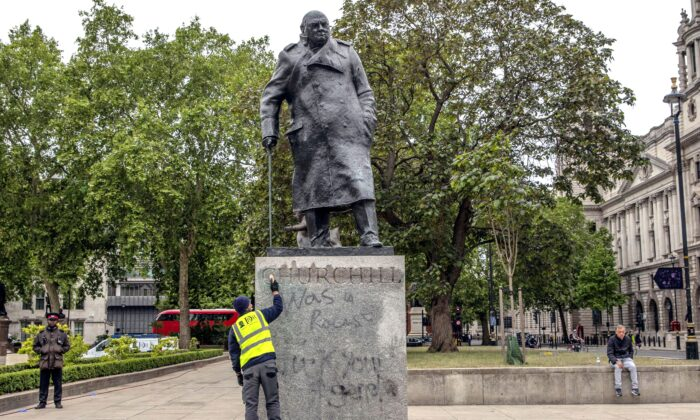 Winston Churchill vandalove
