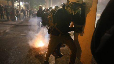 Ministr spravedlnosti USA označil Antifu za revolucionářskou skupinu
