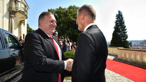 Vztahy ČR aUSA jsou nadstandardní, uvedl premiér pojednání sministrem Pompeem