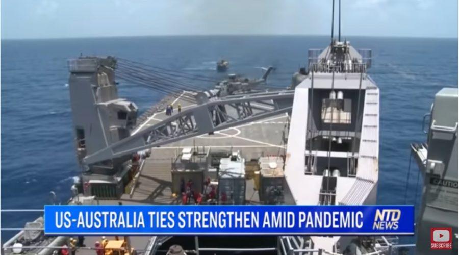 Společné cvičení australských, amerických a japonských lodí. (Screenshot / China in Focus)