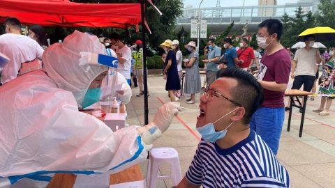 Vládní dokumenty odhalují, že čínskému městu Ta-lien docházejí peníze uprostřed  pandemie
