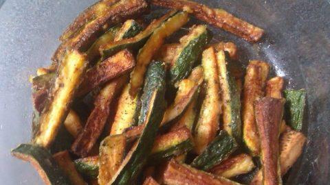 Recept: Cuketové hranolky soctem