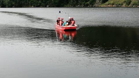 V neděli se uZnojemské přehrady zranil starší muž, záchranáře čekal náročný zásah