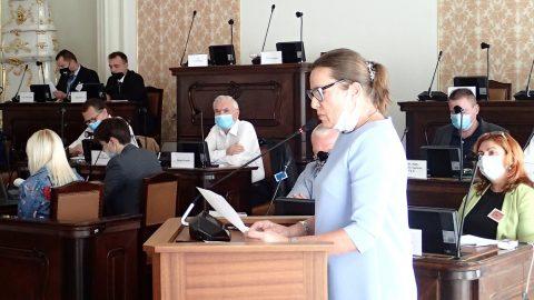 V Poslanecké sněmovně se diskutovalo ospravedlnosti avymahatelnosti práva vČR