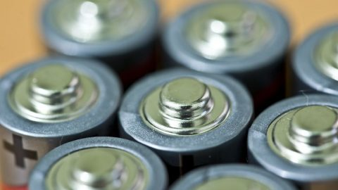 Recyklace baterií představuje jisté komplikace, ale izdroj cenných surovin