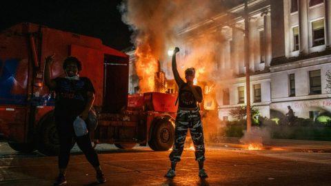USA: Lídři násilných skupin jsou již vhledáčku vyšetřovatelů