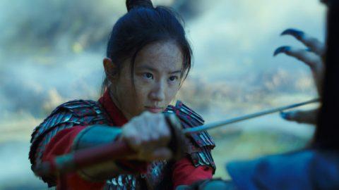 Hongkongští aktivisté vyzývají kbojkotování filmu Mulan
