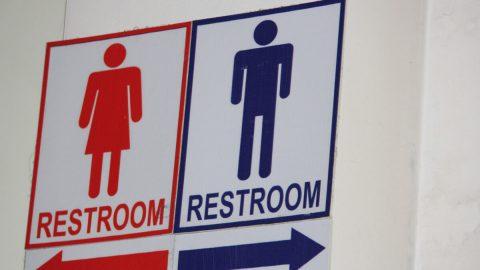 USA: Toalety atransgender – škola se odvolává proti pro-transgenderovému rozhodnutí soudu