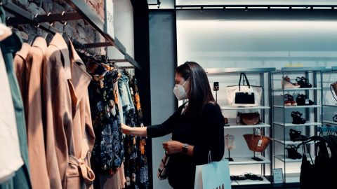 Druhá vlna koronaviru mění nákupní zvyky Čechů